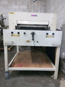 Paper Cutter in very good condition