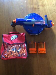 Hail fire nerf gun and 100 bullets two cartridges