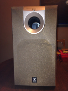 Yamaha Powered Subwoofer