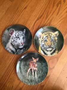 COLLECTIBLE ANIMAL'S PLATES,FIGURINES,HANDMADE CRYSTALS,DOLL FOR