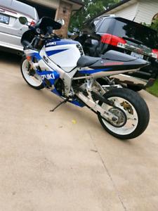 2002 gsxr 1000cc ** MINT !!