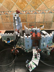 Lego lord of the rings helms deep