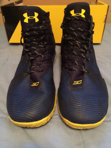 UNDER ARMOUR CURRY 2.5 SIZE 12 BASKETBALL SHOE