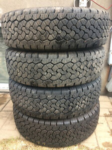 4 PNEUS  / 4 ALL SEASON TIRES LT 245/75/17 BF GOODRICH RUGGED TR