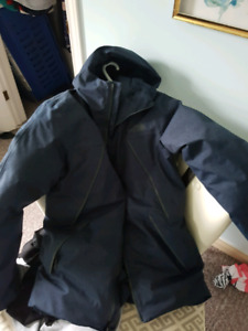 Far Northern The Northface down filled winter jacket