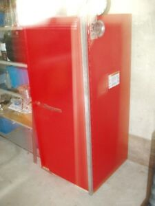 Snap On side mount tool cabinet/closet