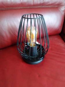 Petite lampe sur table EGLO , achetée il y a un an