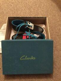 Clark's shoes size 2 1/2