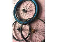 9T back Bmx diamond back wheels and random orange Hub wheel