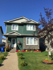 Nicely maintained custom built 3 bed home in Eagle Ridge