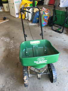 Scotts Lawn Fertilizer Spreader