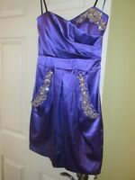 ROBE MAUVE-VIOLET. TAILLE 4.COMME NEUF