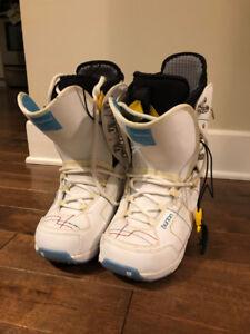 Women's Burton Sapphire Snowboard boots, size 9. Great condition