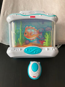 Aquarium Fisher Price en très bonne condition