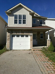 LAURELWOOD SINGLE HOUSE  FOR RENT !
