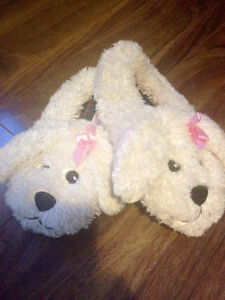 Slippers size 9/10