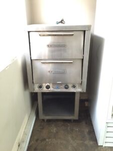 Pizza oven, Bakers pride