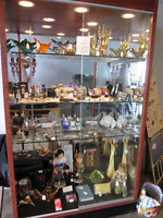 New Show Case Seller AT Inside Ave. Antiques