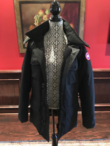 ***FORSALE: Canada Goose Parka