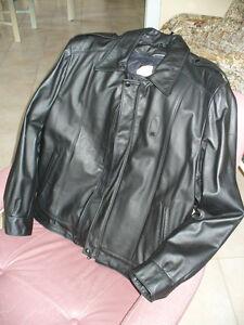 Veste de cuir (homme),  ensemble de cuir (femme)
