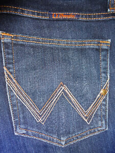 WRANGLER Q-BABY Jeans (Blue) - 15/16 x 34 - ONLY $14!