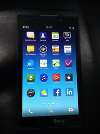 BlackBerry Z10 mobile phone complete with charger open to all networks for sale  Bradford, West Yorkshire