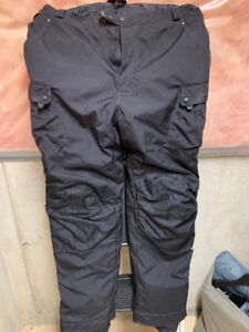 Selling a pair of Olympia insulated motorcycle pants - Size 44
