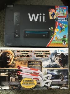 Nintendo Wii, Cabelas Dangerous Hunts 2013 w/Top Shot Peri, game