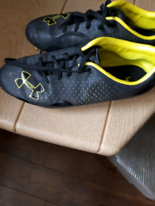 Under Armour soccer cleats size 8.5