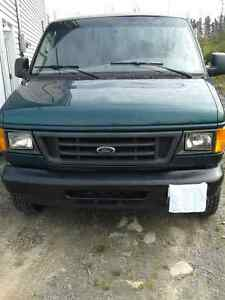 2006 Ford E-350 Van super duty 1 ton