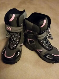 Sturdy Winter Snow Boots size 5
