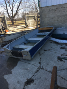 14 FEET ALUMINUM BOAT WITH TAG, CERTIFIED 15 HP