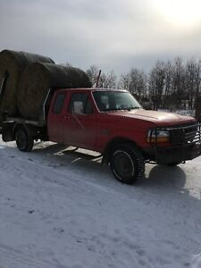 1994 Ford F-250 Pickup Truck with Hydra deck bale handler
