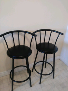 Barstools in good condition