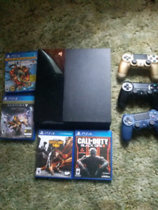 Ps4+ 4 games + 3 controllers