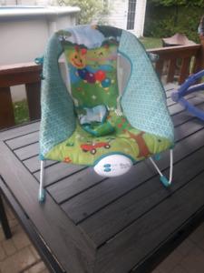 Chaise vibrante pour enfant valeur neuf 45$