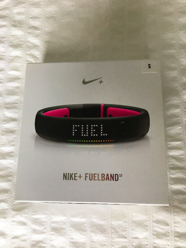 Women s Nike Fuel Band (black and pink) Size Small.  28cd4e94a7