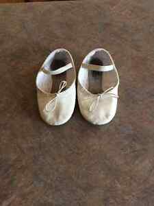 Ballet shoes - size 10 1/2 girls