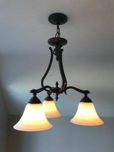 Luminaire suspendu à 3 branches