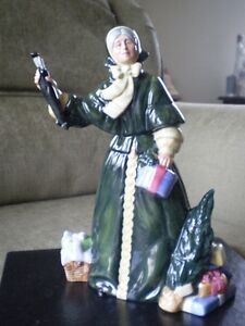 "Royal Doulton Figurine - "" Christmas Parcels "" HN 2851 Kitchener / Waterloo Kitchener Area image 9"