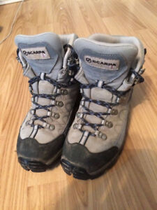 Scarpa Women's Hiking Boots