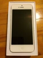 Mint Condition Apple iPhone 5 Silver 16GB Unlocked