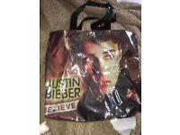 Justin bieber meet and greet merchandise