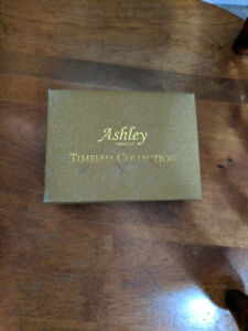 ASHLEY PRINCESS TIMELESS COLLECTION