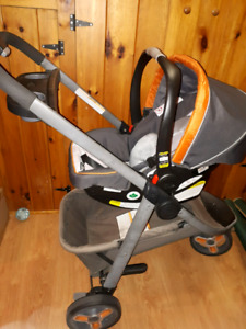 Graco Carseat, stroller,2 bases. Coquille, poussette, 2Bases