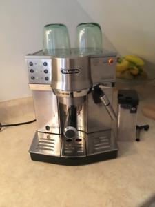 DeLonghi Dedica Cappuccino Pump Espresso Machine (EC860)