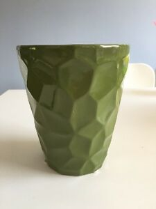 Ceramic flower pot. Never used.