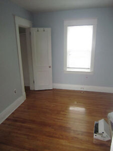 2 bedrooms available in 5 bedromm house on Richmond Row London Ontario image 9