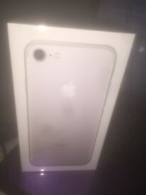 iPhone 7 - Brand New Sealed locked to 02 ..128GB