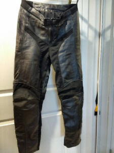 Ladies Motorcycle Leather Pants with Armour